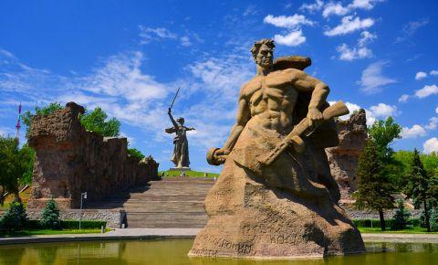 Мамаев курган: бессмертие подвига и торжество победы в камне