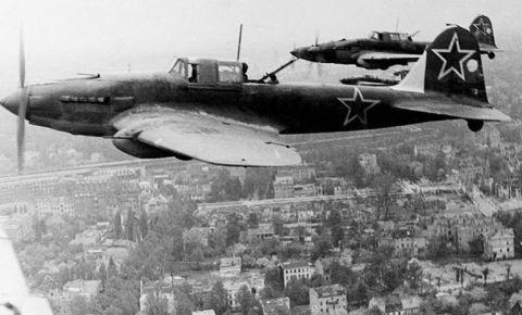 «Чёрная смерть»: как Сергею Ильюшину удалось создать самый массовый самолёт Второй мировой войны