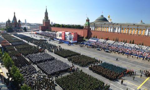 Иностранных гостей не пригласят на парад Победы