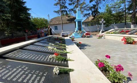 В селе Жеврены Криулянского района отреставрировали памятник советским солдатам