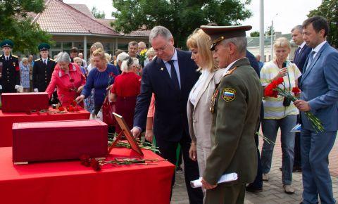 В Эстонии прошла церемония передачи в Россию останков красноармейцев, погибших в 1944 году в боях с фашистами на Нарвском плацдарме