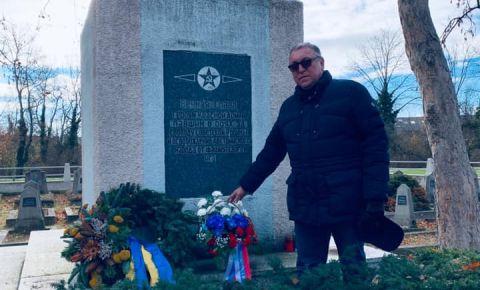 Посол России в Австрии посетил советское воинское захоронение в Neukirchen