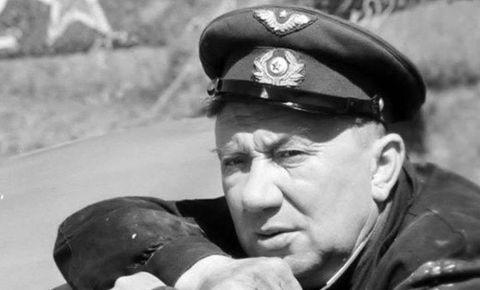 Барельеф актеру Алексею Смирнову установят в здании «Ленфильма»