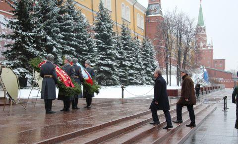 Сергей Черёмин и Маркус Зёдер возложили цветы к памятнику неизвестного солдата в Москве