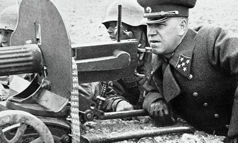 Калужский филиал Музея Победы запустил онлайн-проект «Мир помнит. Памятники Георгию Жукову»