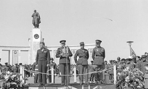 75 лет назад, 11 ноября 1945 года, состоялось торжественное открытие Мемориала павшим советским воинам в Тиргартене