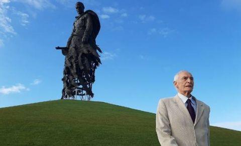 Ржевский мемориал советскому солдату посетил Василий Лановой