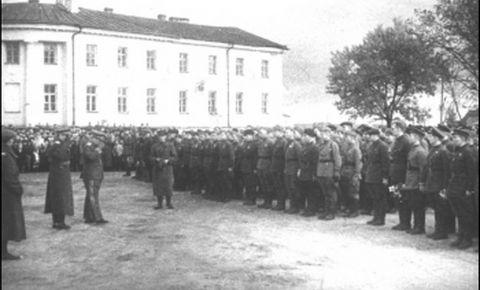 77 лет назад в Петрозаводске прошел один из первых Парадов Победы