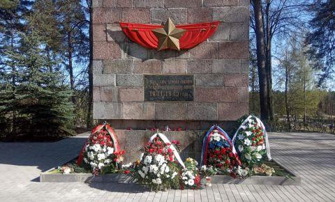 В Даугавпилсе привели в порядок кладбище, где покоится прах солдат, павших в боях Великой Отечественной войны