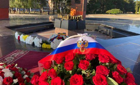 В Кишиневе прошла церемония возложения цветов на мемориале воинской славы «Вечность»