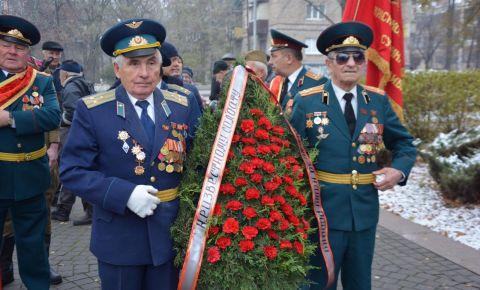 Акция приуроченная ко Дню Неизвестного солдата прошла на Украине