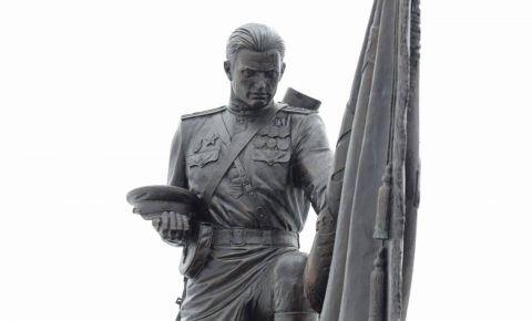 Памятник «Защитнику Отечества от благодарных потомков» открыт в Орловской области