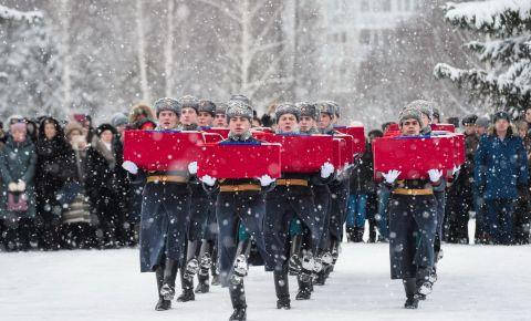 В Нижнекамске с почестями перезахоронили останки 19 красноармейцев