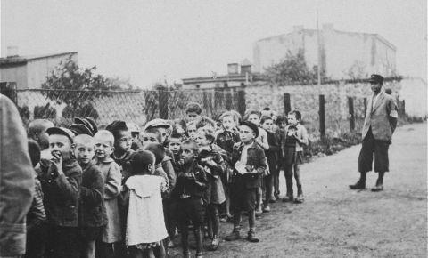 «Отдайте мне ваших детей»: 80 лет назад было создано Лодзинское гетто