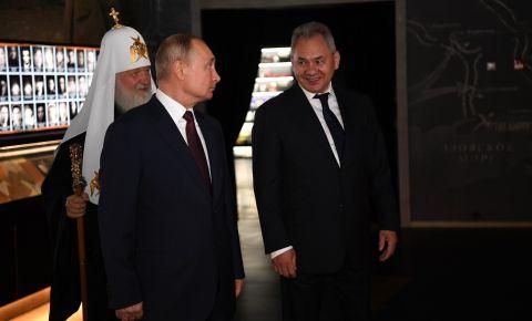 Президент посетил главный храм Вооружённых Сил и музейный комплекс «Дорога памяти»