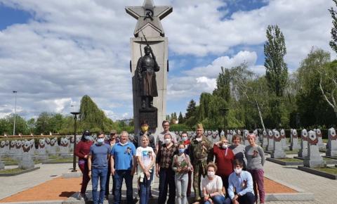 Субботник на Ольшанском военном кладбище в Праге