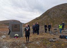В Норвегии открыли памятник советским лётчикам