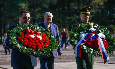 Памятная церемония, посвящённая 76-й годовщине освобождения концентрационного лагеря в Саласпилсе